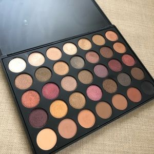 MORPHE- 35F - FALL INTO FROST EYESHADOW PALETTE